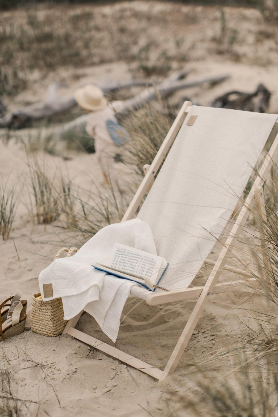 leżak plażowy, leżak na plażę, lniany leżak, hiuma store